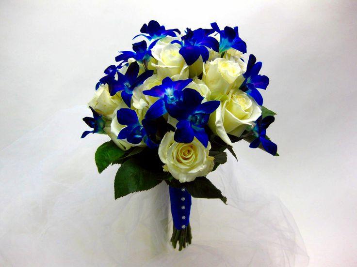 blue wedding bouquet ideas