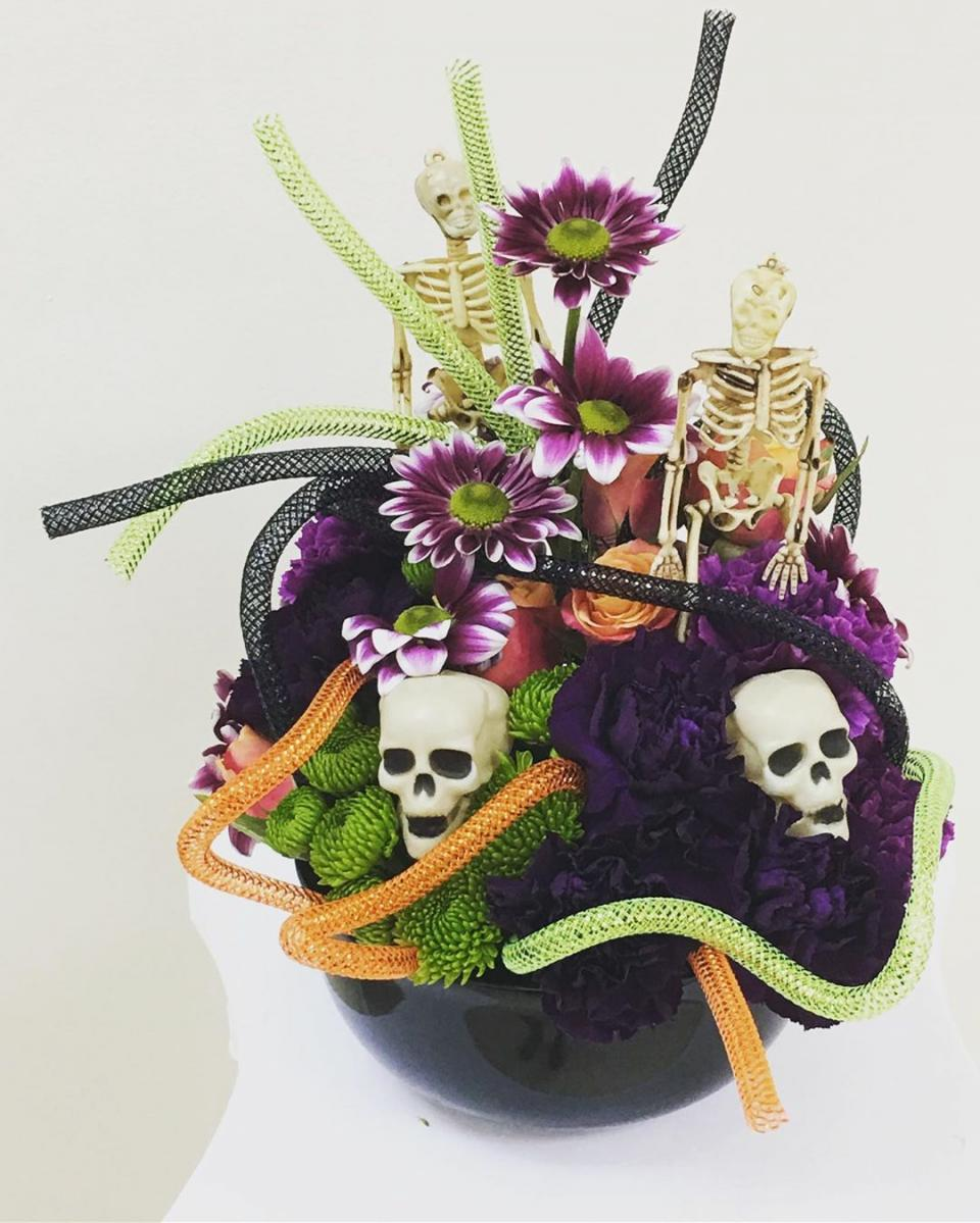 creative Halloween arrangement